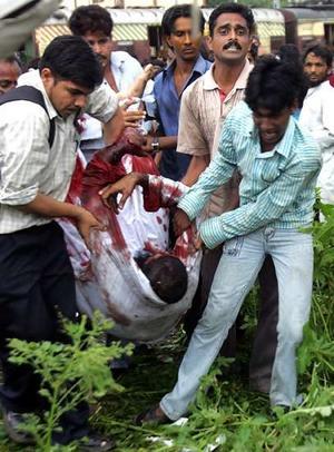 Mumbai train bombing rescue