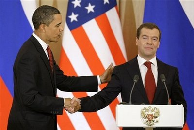 Russian_President_Dmitry_Medvedev_show_Obama_no_respect