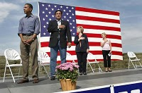Barack-obama-not-pledging-the-flag