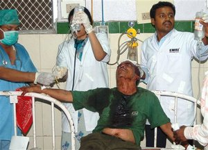 Victim_of_india_bombing_2_2007825