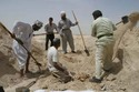 Digging_for_remains_so_of_baghdad