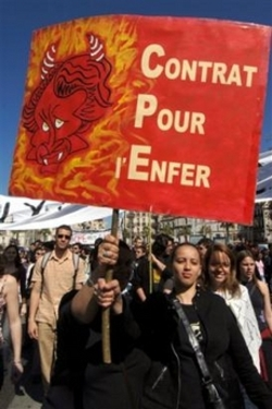France_job_protest_graphic_arts_2