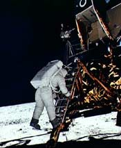 ' . substr('//ginacobb.typepad.com/photos/uncategorized/first_man_on_moon_1.jpg', strrpos('//ginacobb.typepad.com/photos/uncategorized/first_man_on_moon_1.jpg', '/') + 1) . '